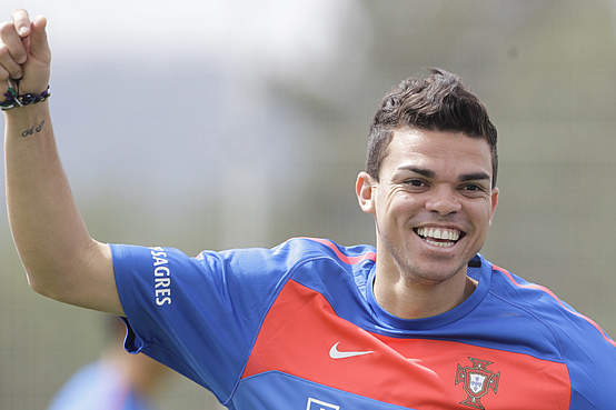 pepe resumes training