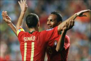 Portugal vs Hungary - 2009 - Liedson and Simao