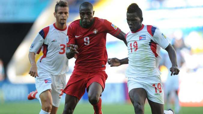 Aladje (center) in action against Cuba at the 2013 U-20 World Cup.