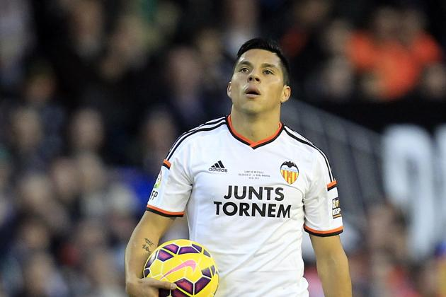 Perez has already become an integral member of Valencia's first team. Photo: Alberto Saiz/Associated Press