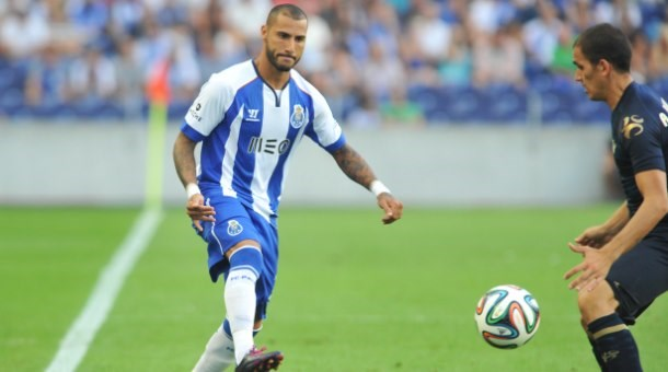 Ricardo Quaresma's stunning trivela goal stole the show. Photo: Maisfutebol